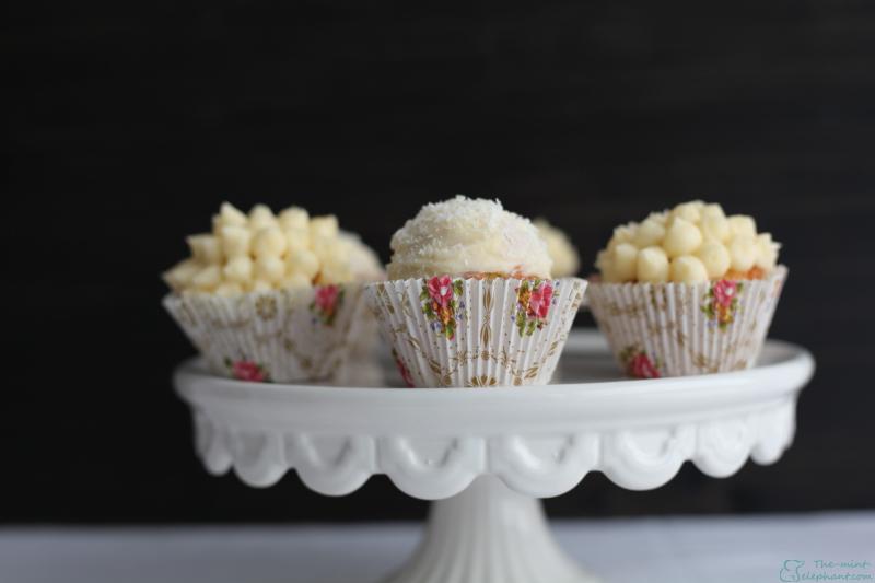 Cupcakes auf Tortenplatte 2