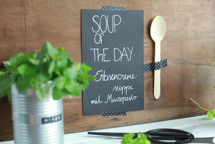 Schild Soup of the day mit Holzlöffel